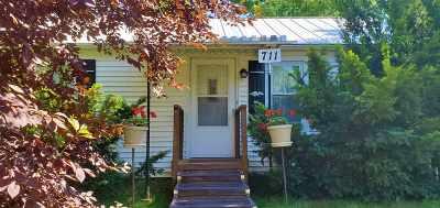 Ogle County Single Family Home For Sale: 711 Monroe St