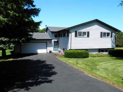 Stephenson County Single Family Home For Sale: 98 Newport Road