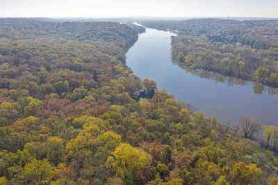 Ogle County Single Family Home For Sale: 1950 N River (60 Ac) Road