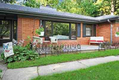Rockford Single Family Home For Sale: 4802 White Oak Drive