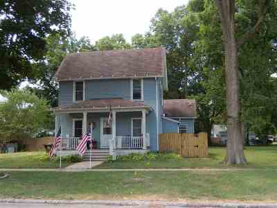 Ogle County Single Family Home For Sale: 1002 S 4th Street