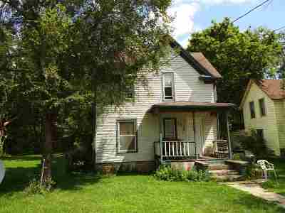 Rockford Single Family Home For Sale: 209 Irving Avenue