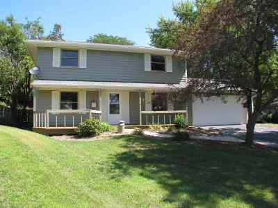Rockford IL Single Family Home For Sale: $134,999