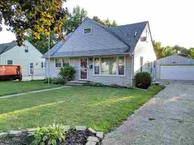 Rockford Single Family Home For Sale: 2227 Ohio Parkway