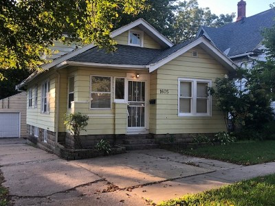 Rockford IL Single Family Home For Sale: $57,500