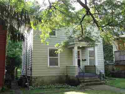 Rockford Single Family Home For Sale: 1038 Woodlawn Avenue