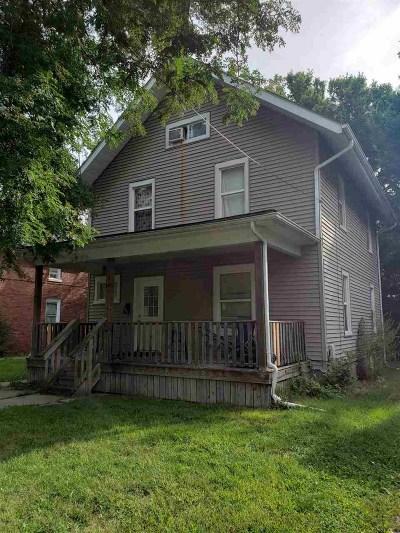 Rockford Single Family Home For Sale: 609 Avon Street