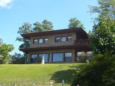 Michigan City Single Family Home For Sale: 1629 Lake Shore Drive