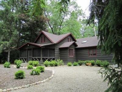Michigan City Single Family Home For Sale: 103 Chickadee Trail