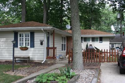 Michigan City Single Family Home For Sale: 3028 Oakwood Avenue