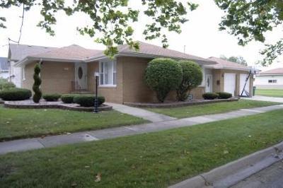 Munster Single Family Home For Sale: 7921 Monroe Avenue