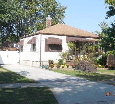 Munster Single Family Home For Sale: 8114 Harrison Avenue