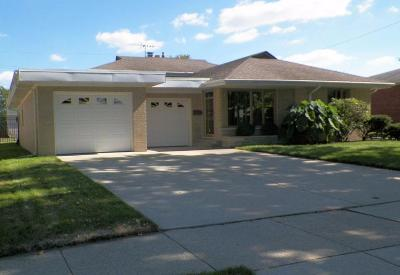 Munster Single Family Home For Sale: 8213 Van Buren Avenue