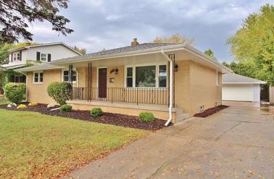 Munster Single Family Home For Sale: 1919 Azalea Drive