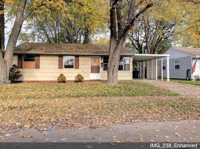 Michigan City Single Family Home For Sale: 915 Henry Street