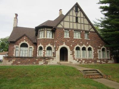 Michigan City Single Family Home For Sale: 100 Beverly Court