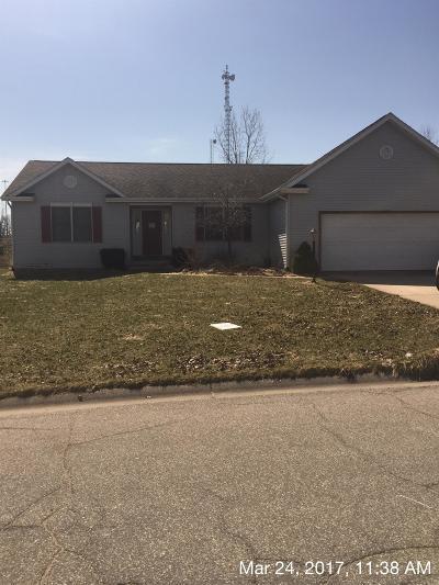 La Porte, Laporte Single Family Home For Sale: 872 East Sportsman Lane