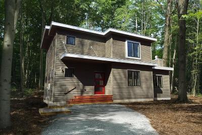 Michigan City Single Family Home For Sale: 58 Magnolia Trail