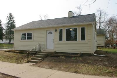 Michigan City Single Family Home For Sale: 611 Thomas Street