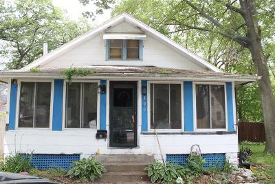 Michigan City Single Family Home For Sale: 322 Fairfield Avenue