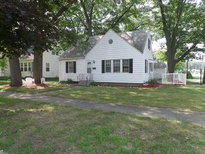 Michigan City Single Family Home For Sale: 401 Greenwood Avenue