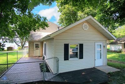 New Carlisle Single Family Home For Sale: 7148 N Chicago Road