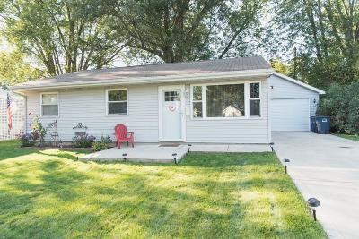 Michigan City Single Family Home For Sale: 913 Henry Street