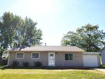 Michigan City Single Family Home For Sale: 322 Village Road