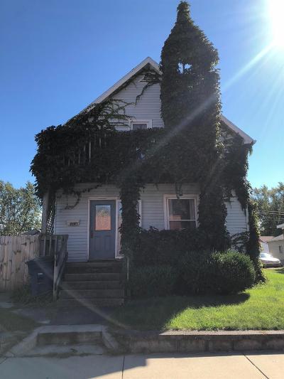 Michigan City Single Family Home For Sale: 216 W Barker Avenue