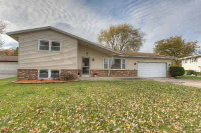 Schererville Single Family Home For Sale: 1912 Sir Richard Road
