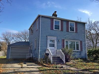 Munster Single Family Home For Sale: 7619 Forest Avenue