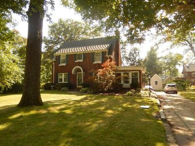 Michigan City Single Family Home For Sale: 305 E Coolspring Avenue