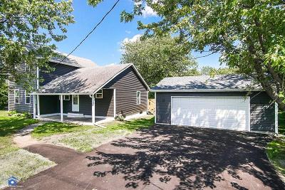 Lowell Single Family Home For Sale: 404 N Burr