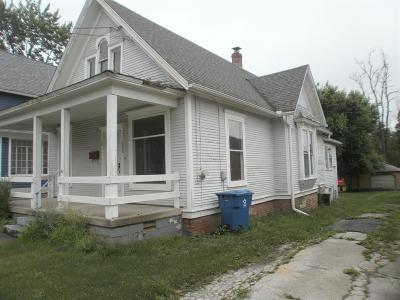 Lowell Single Family Home For Sale: 212 Washington Street