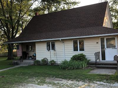 Single Family Home For Sale: 425 W High Street