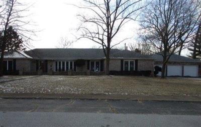 Single Family Home For Sale: 208 Golden Rain Street NW