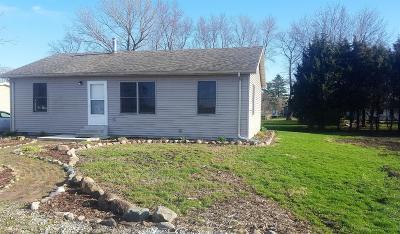 Single Family Home For Sale: 713 E Merritt Street