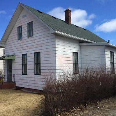 Michigan City Single Family Home For Sale: 914 Chicago Street