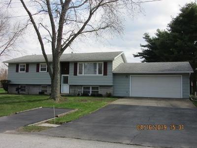 Michigan City Single Family Home For Sale: 6714 Lincoln Road