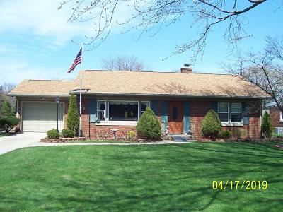 La Porte, Laporte Single Family Home For Sale: 2415 Beechwood Drive