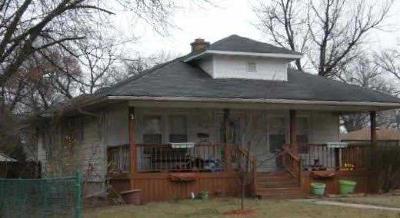 Single Family Home For Sale: 439 N Dwiggins Street