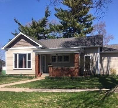 Single Family Home For Sale: 403 Chicago Street