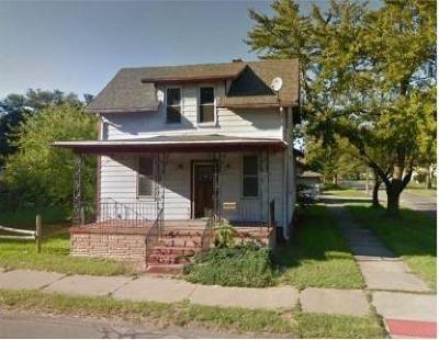 Michigan City Single Family Home For Sale: 138 E Barker Avenue