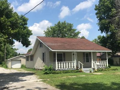 Single Family Home For Sale: 516 E Washington Street