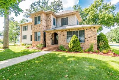 Single Family Home For Sale: 302 W Susan Street