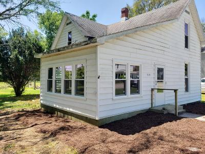 Brook Single Family Home For Sale: 319 W Main Street