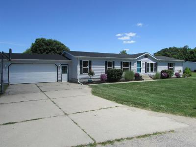 Laporte, La Porte Single Family Home For Sale: 1325 E Coachlight Drive
