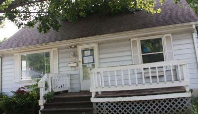 Michigan City Single Family Home For Sale: 619 S Dickson Street
