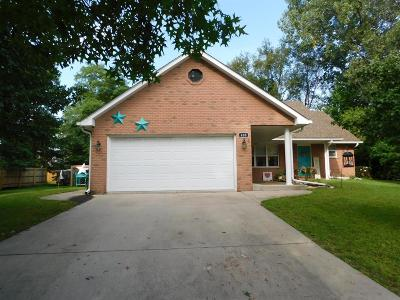 Single Family Home For Sale: 400 Golden Rain Court