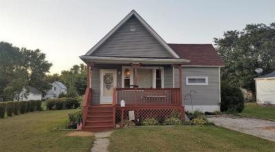 Rensselaer Single Family Home For Sale: 420 E Cherry Street